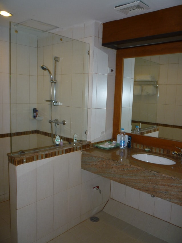 Pattaya Bay Resort Mini Suite Bathroom