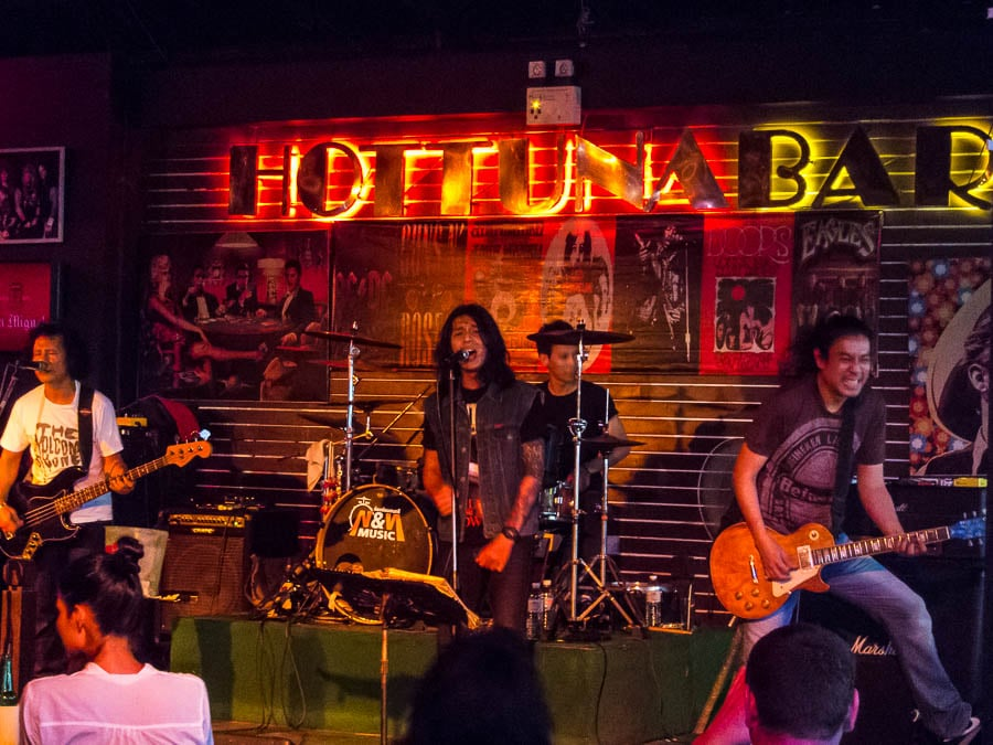 Hot Tuna Bar - Live Music in Pattaya