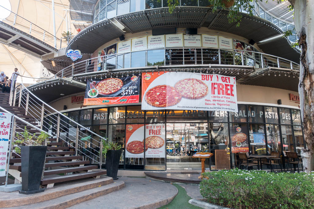 OUtside of Pizza Pizza by Yanee restaurant at Pattaya Avenue Mall, Thailand